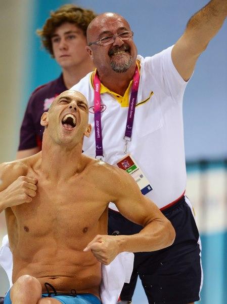 0078_201291411339Richard y Javier celebrando medalla