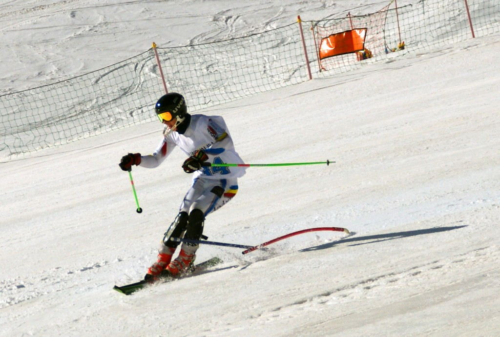 Esquiadores FEDPC asaltan Andorra y Francia